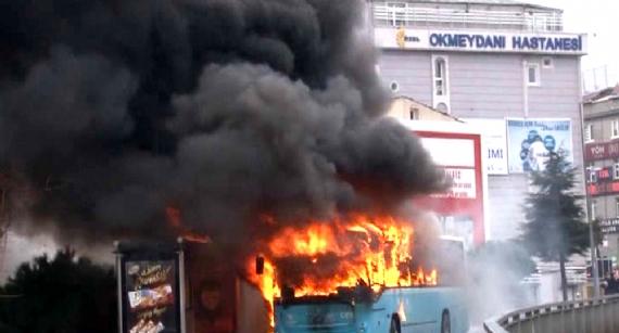 Terör yandaşlarından otobüse molotof!