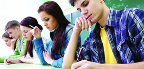 Tez de öğrenciye hak