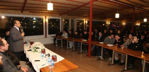 Fikri Işık Çayırova'da gençlerle buluştu