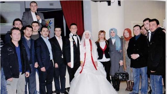 AK Partili gençler düğünde buluştu