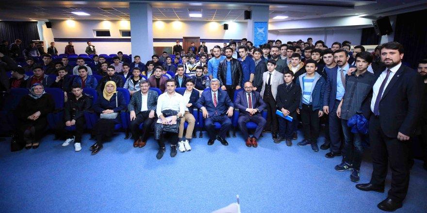 Karaosmanoğlu, Genç Türkiye Kongresi Kocaeli İl Çalıştayına katıldı