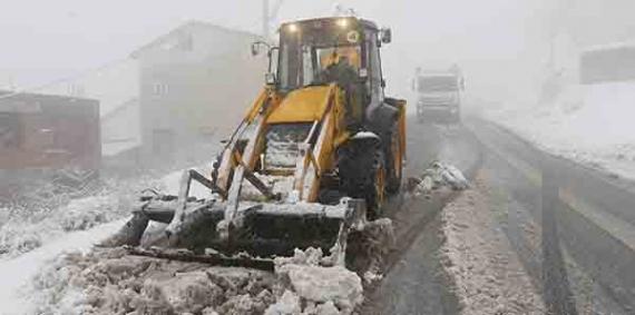 Karla mücadele ekipleri işbaşında