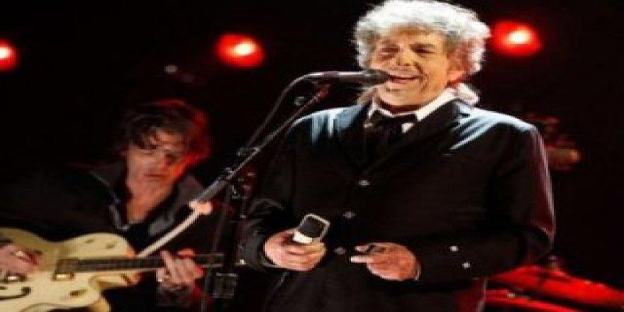 Bob Dylan Nobel ödülünü kabul etti