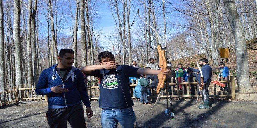 Diriliş Kampı gençlere eğlenceli anlar yaşattı