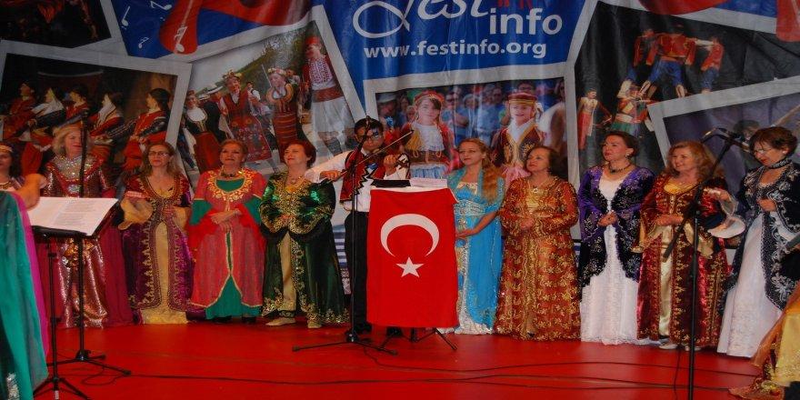 """Hollanda'da """"Türkiye Türkiye"""" sesleri"""