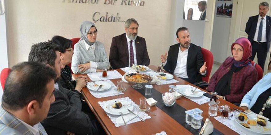 Katırcıoğlu, KASKF'ı ziyaret etti