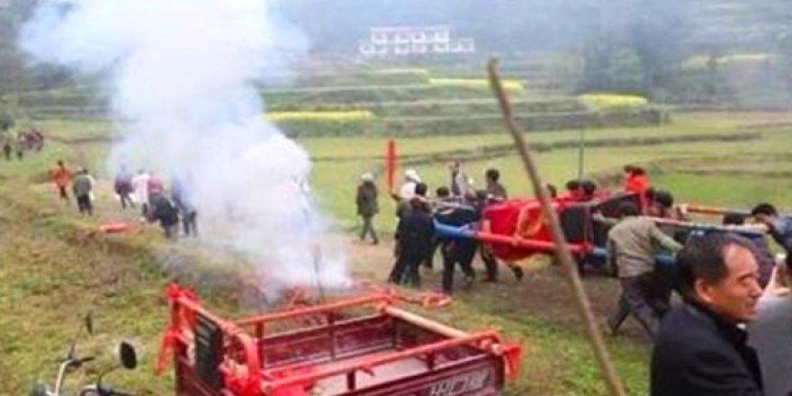 Meraklı Çinli, kendi cenaze törenini düzenledi