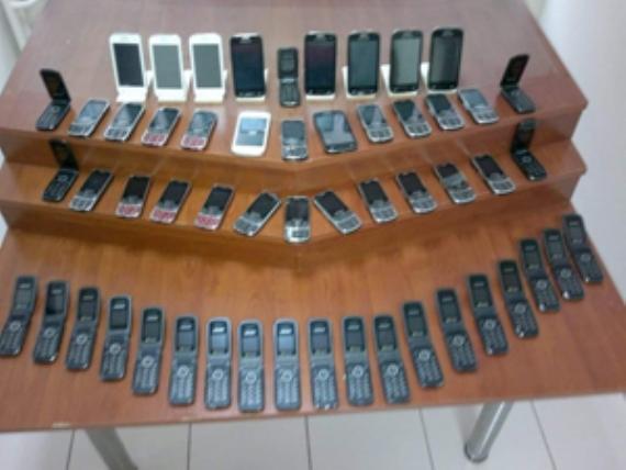 Gebze'de kaçak telefon operasyonu