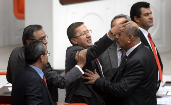 Türkkan Meclis'i fena karıştırdı!
