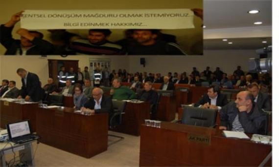 Belediye Meclisi basıldı!