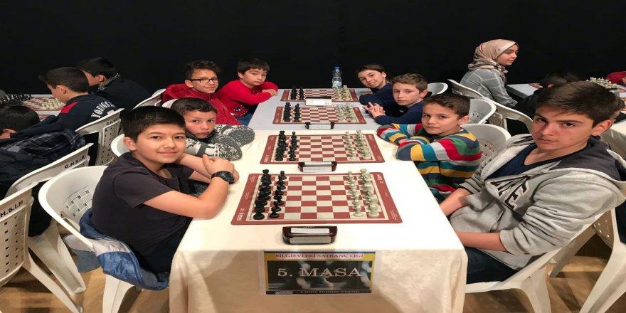 Satranç turnuvasında dördüncü etap tamamlandı