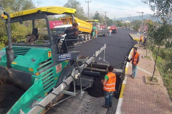 Karamürsel Caddesi asfaltlanıyor!