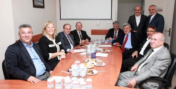 Karaosmanoğlu CHP Grubunu ziyaret etti!