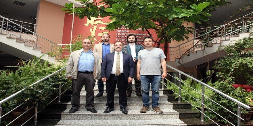 Ünlü yönetmen Zaim'den Rektör Gür'e ziyaret