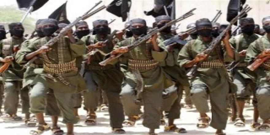 Somali'de 4 Eş-Şebab militanı idam edildi