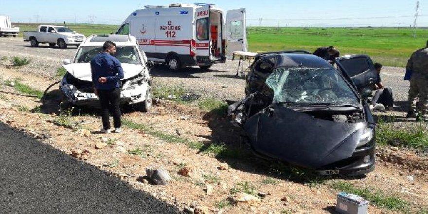 Havaalanı yolunda feci kaza: 1 polis öldü, 2'si polis 4 yaralı