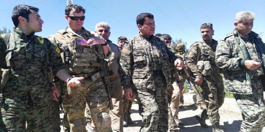 ABD'li komutanlar YPG'lilerle Karakoçak'ta inceleme yaptı