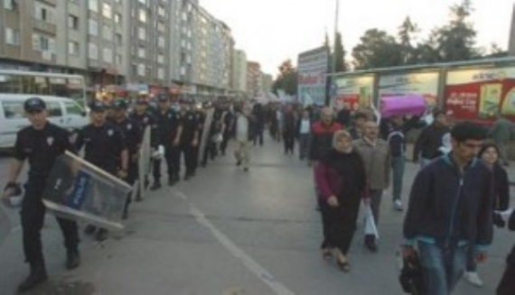 Polis BDP'lileri yürütmedi!