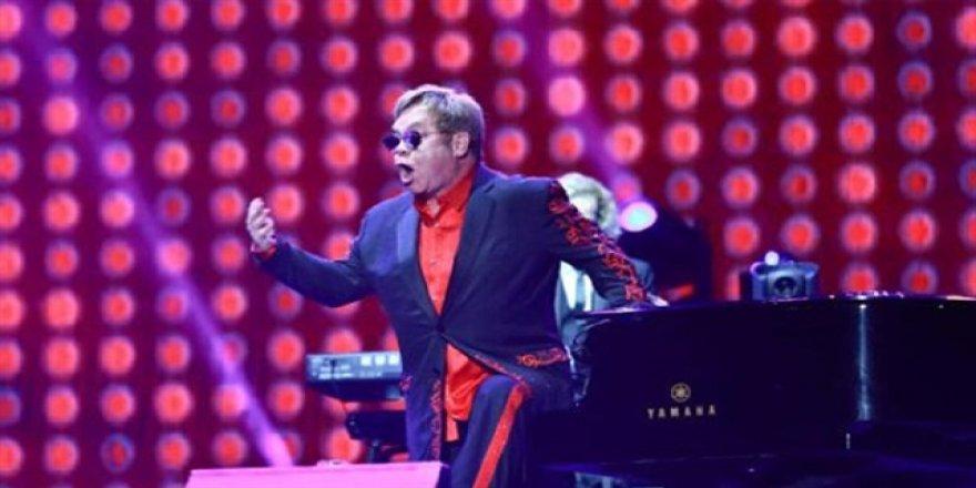 Elton John'a 'ölümcül bakteri' teşhisi