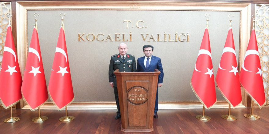 Korgeneral Daysal'dan Vali'ye ziyaret