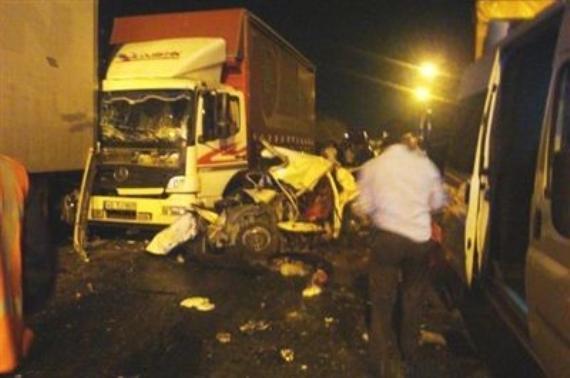 TEM'de kaza: 1 ölü 6 yaralı!