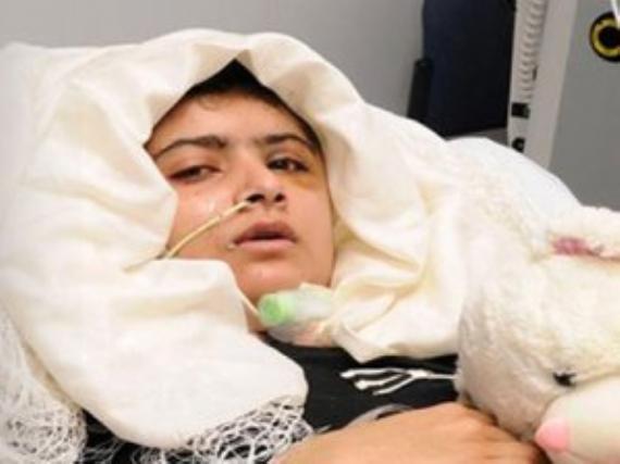 Başından vurulan Malala'dan ilk fotoğraf!