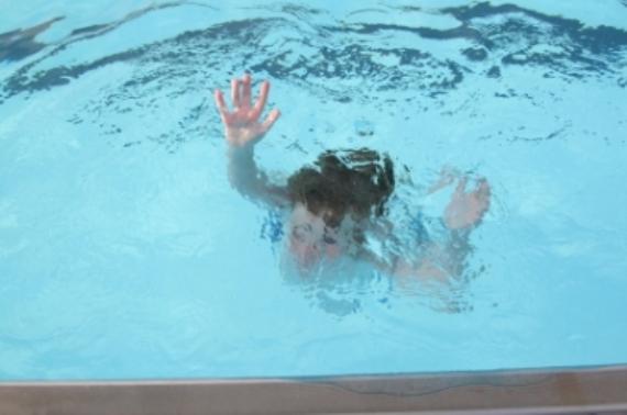 Sitenin havuzunda can verdi!