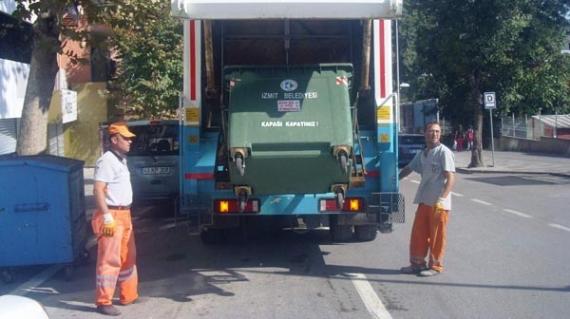 Çöp konteynerlari dezenfekte ediliyor!