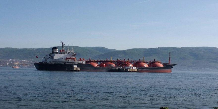 LPG tankerinde soğutma çalışmaları devam ediyor