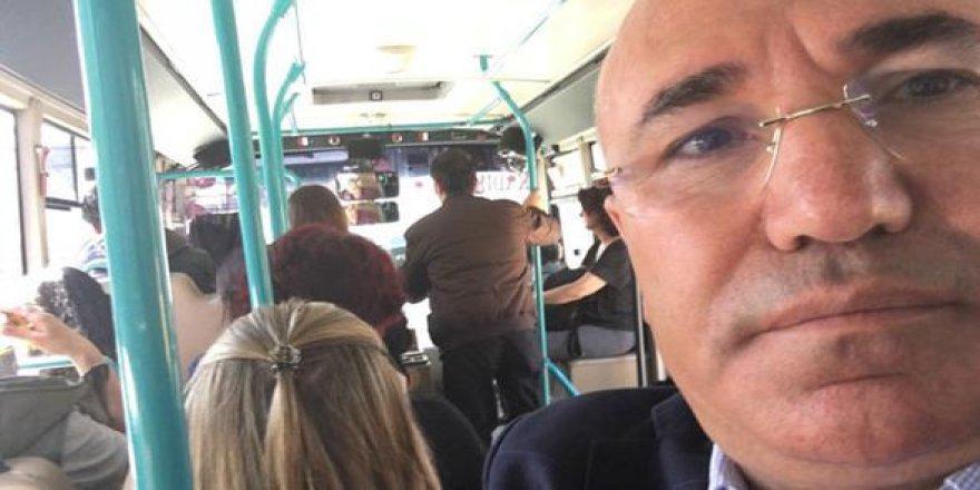 CHP'li Tanal Minibüsten Fotoğraf Paylaştı, Sosyal Medyada Olay Oldu