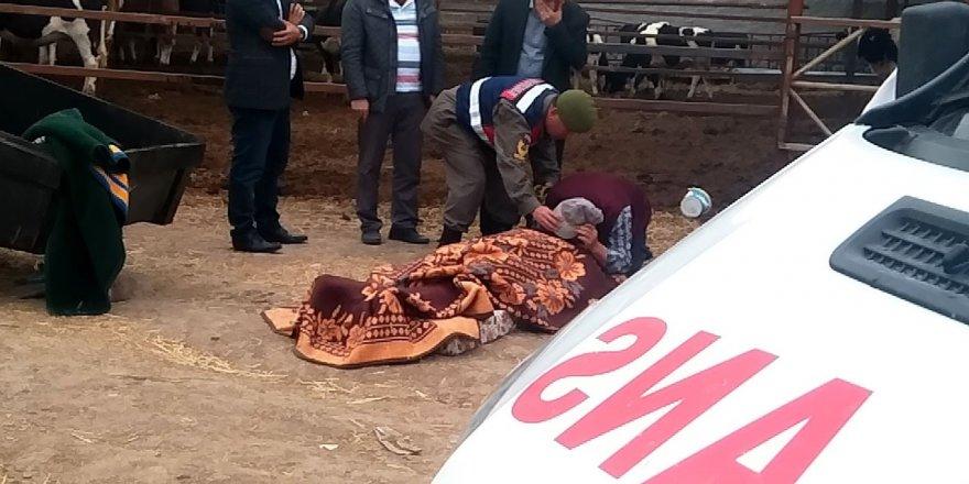 Bu Acıya Yürek Dayanmaz: Battaniyeyi Kaldırıp Oğlunu Son Kez Öptü