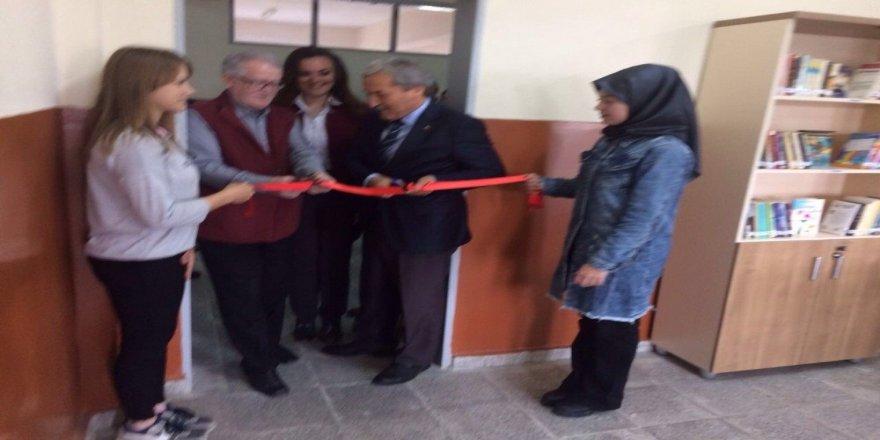 Hayırsever Vatandaş 109'uncu Kütüphanesini Açtı