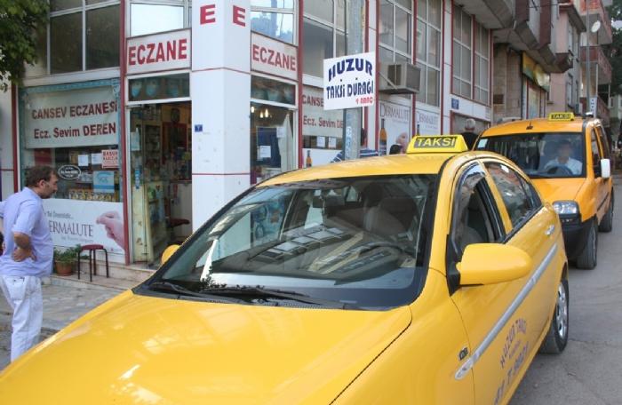 Bindiği taksiyi çaldı!