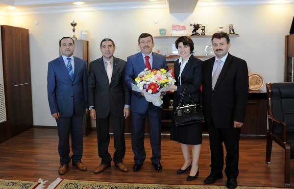Eğitim camiasından Karabacak'a teşekkür!