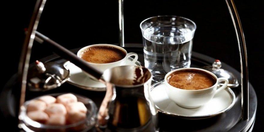 Türk kahvesi neden su ile içilmeli?