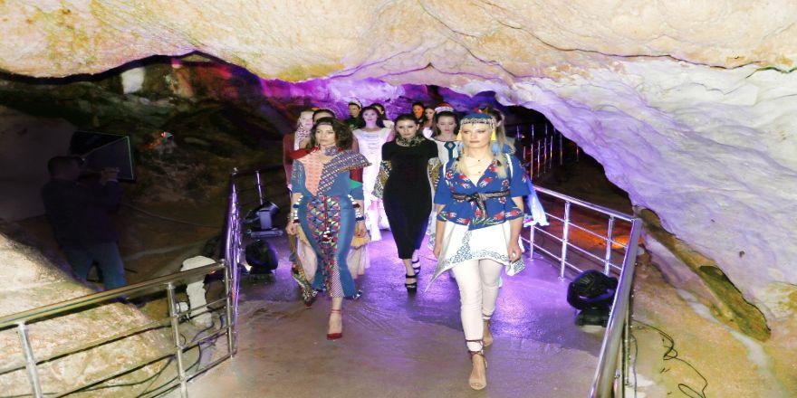 Ballıca Mağarasında Ünlü Mankenlerden Defile