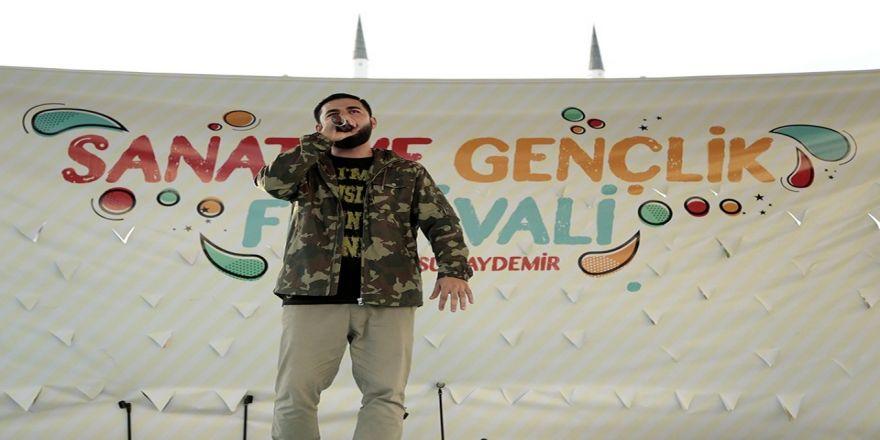 100 Bin Çivi İle Türkiye Haritası
