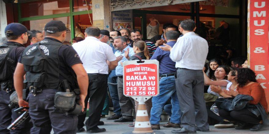 İzinsiz Gösteriye Polis Müdahalesi: 18 Gözaltı