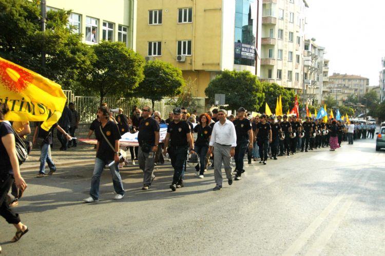 Gebze'de Eğitim-Sen yürüyüşü!