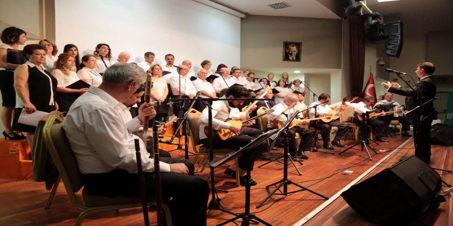 Türk Halk Müziği Korosu'ndan Sezon Sonu Konseri