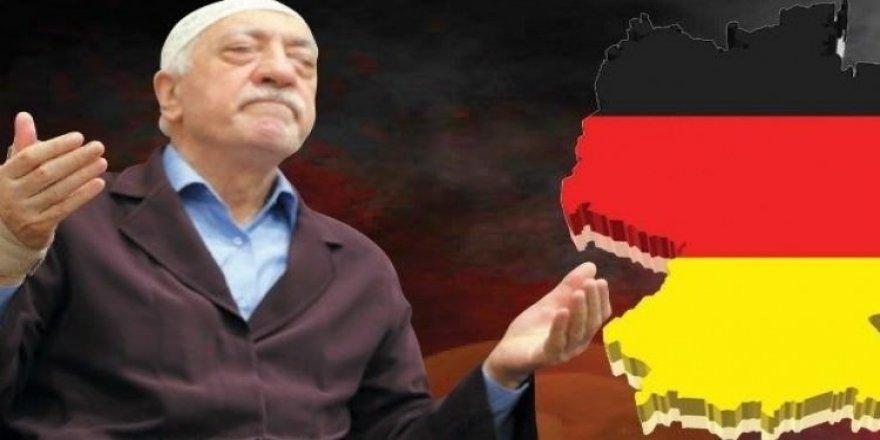 Berlin'e FETÖ'cü akını hızlandı!