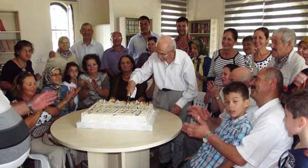 Emeklilerde doğum günü heyecanı!