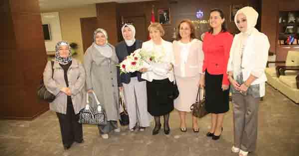 Tuncel'e bayanlardan tebrik ziyareti!