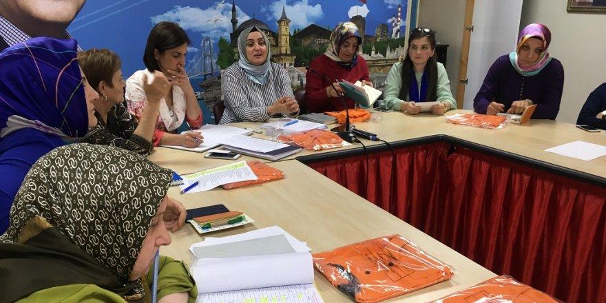 AK Parti'li kadınlar zirveyi bırakmadı
