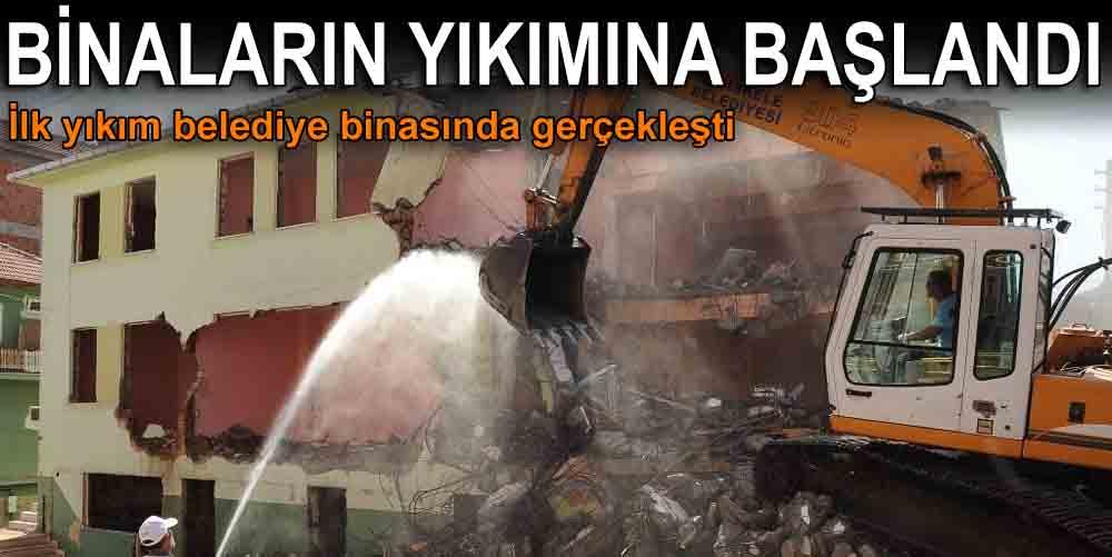 Orta hasarlı binalar yıkılıyor!
