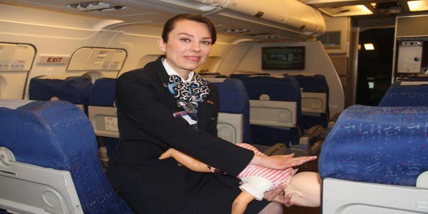 Thy Kabin Memuru, Uçakta Bir Bebeğin Hayatını Kurtardı
