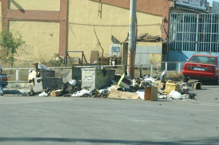 Sanayideki çöpler halen toplanmıyor!
