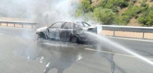 Seyir halindeki araç alev yandı!