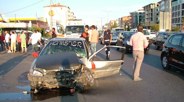Çorlu'da trafik kazası: 3 yaralı!