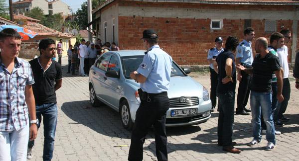 Gözaltı için giden polisler darp edildi!